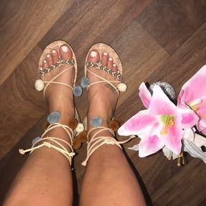 Like new!!! Circus by Sam Edelman tie up sandal